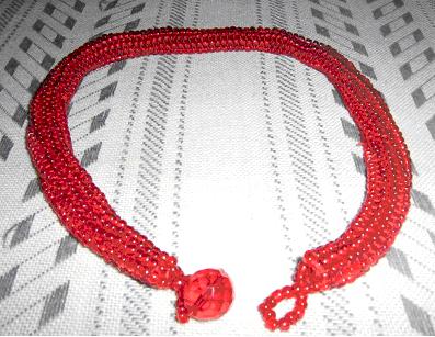 """Ожерелье из бисера  """"Червона калина """" - хорошее украшение к вышиванке."""