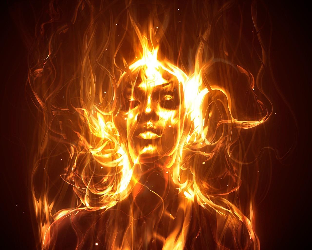 Каждый в пламени видит своёКто тепло, кто золу от поленьев. Кто всю