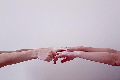 Сожму твою руку в своей руке