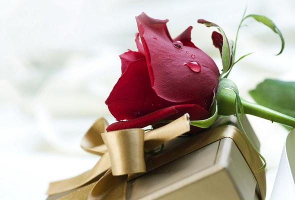 Цветы в подарок мужчине на день рождения