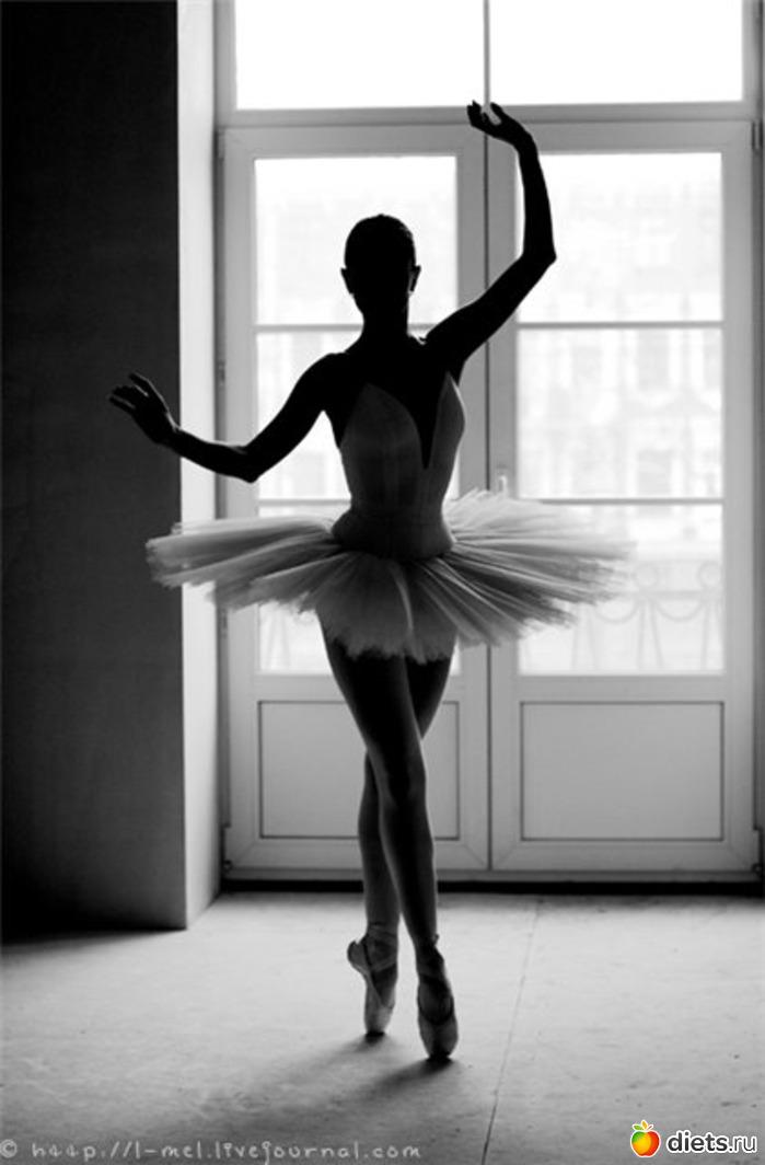 балерина, черно-белое.