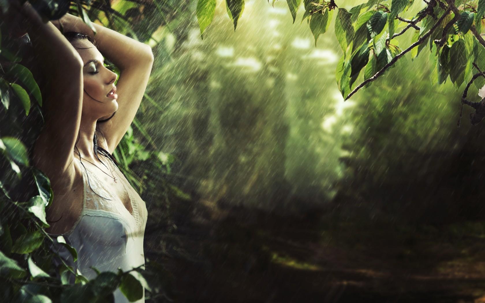 Фото девушек в лесу лето 5